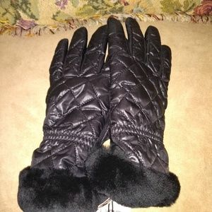 Ugg Gloves smart tech PRICE IS FIRM
